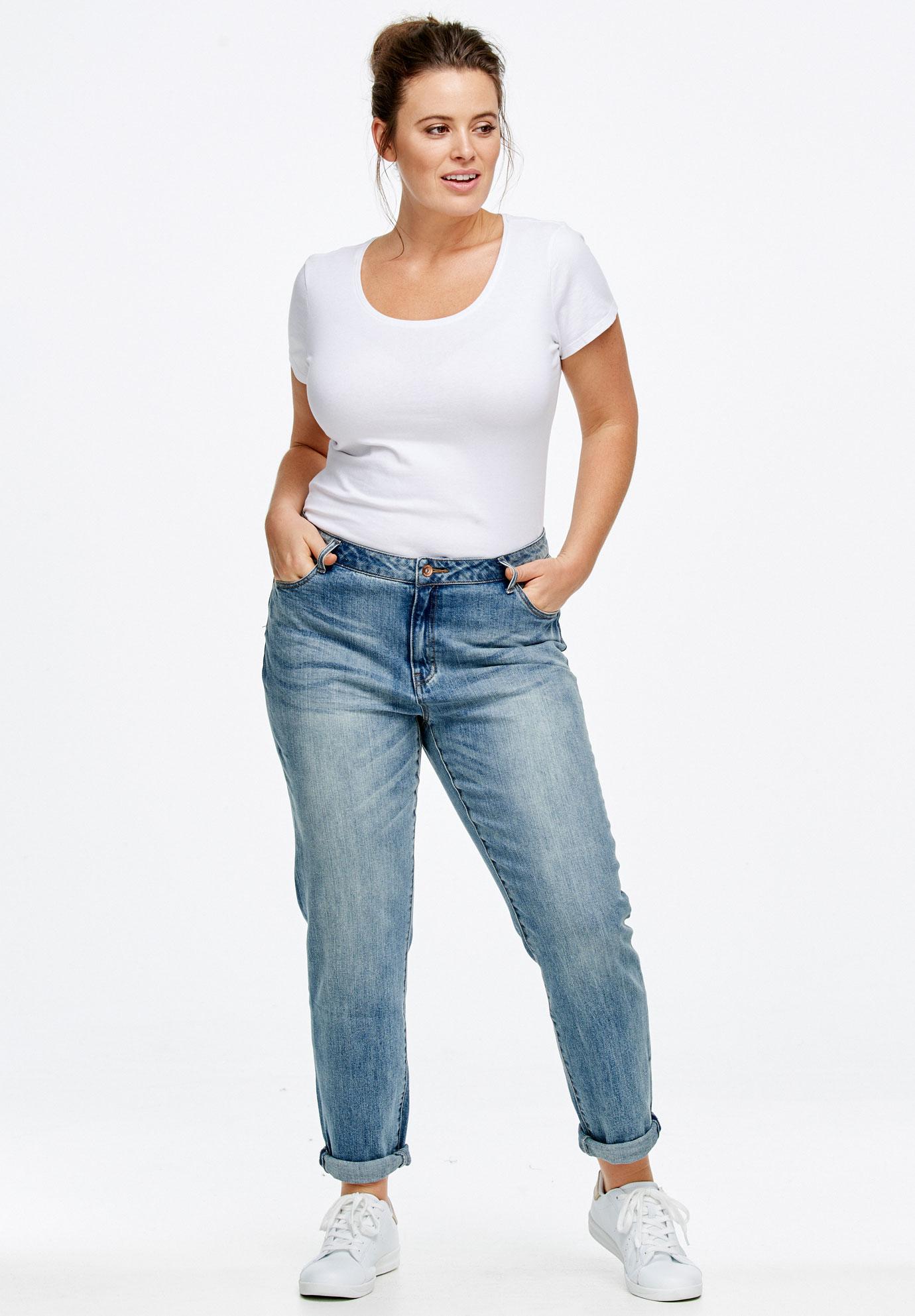 Released Cuff Boyfriend Jeans - Boyfriend Mom Jeans